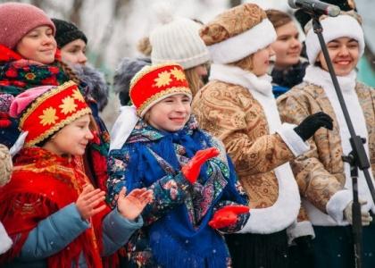 Рождественские гулянья на площади Куйбышева